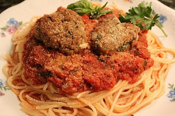 Vegan Love: Spaghetti and Heart-Shaped Meatballs