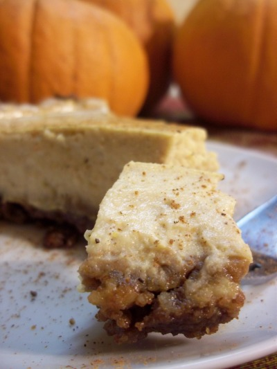 Pumpkin and Gingersnap Delight for Vegan Cheesecake Lovers!