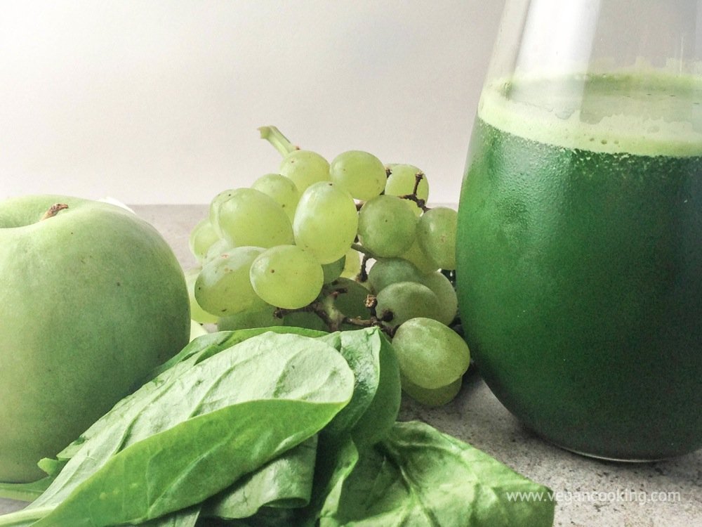 Kale, Celery, & Green Apple Juice