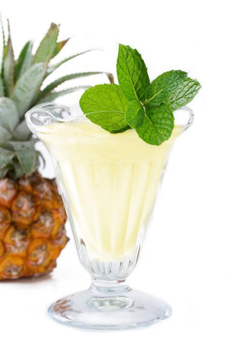 Morning Juice #2: Apple, Pineapple, Mint, and Lemon